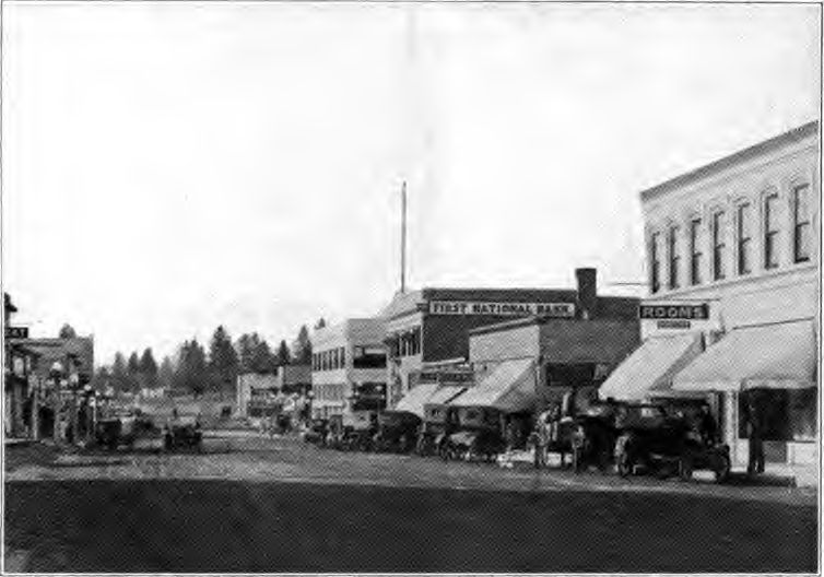 Bend_Oregon_Main_Street_1920